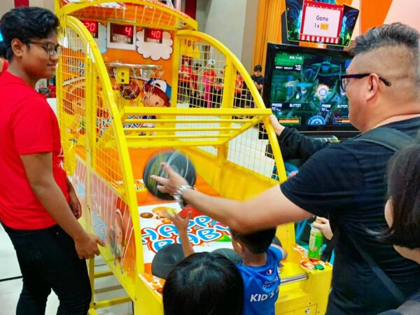 Kids Arcade Basketball Machine