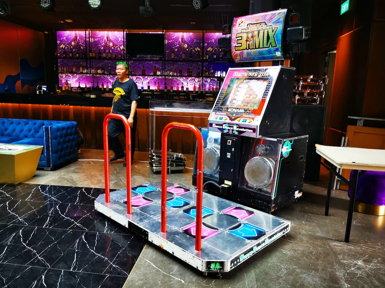 Retro Arcade Machine Rental